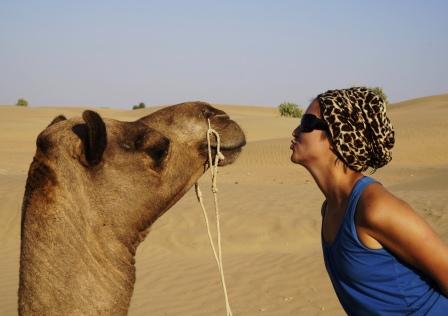 sara kissin camel